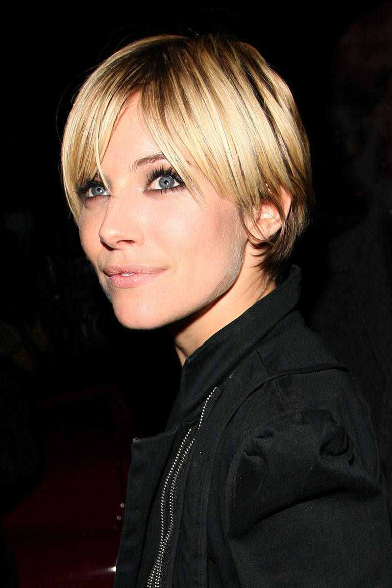 Katie Holmes Debuted A Stylish Pixie Cut At The Jingle Bell Ball We Love Short Length On Actress And Long Fringe That Just Makes This Haircut
