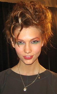 Model Hot Seat Karlie Kloss Beauty Secrets