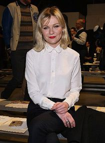b4478acab80 Kirsten Dunst at the Band of Outsiders show in NYC. Photo  Getty Images