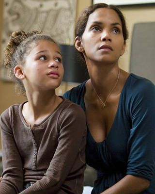 Halle Berry in Things We Lost in the Fire