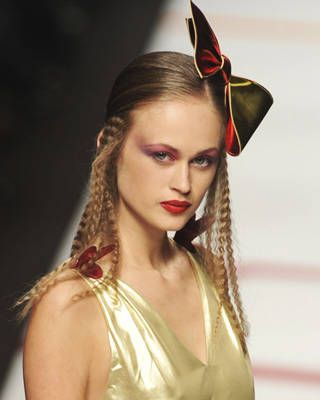 Agatha Ruiz de la Prada Fall Fashion Week Hairstyle