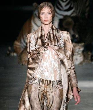 Alexander McQueen spring 2009