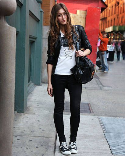 Clothing, Trousers, Textile, Bag, Outerwear, Jacket, Style, Street fashion, Fashion accessory, Pattern,