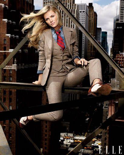 Outerwear, Coat, Jacket, Style, Street fashion, Beauty, Fashion, Blazer, Fashion model, Thigh,