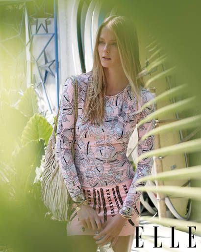 Sleeve, Green, Shoulder, Style, Fashion model, Waist, Fashion, Beauty, Street fashion, Model,
