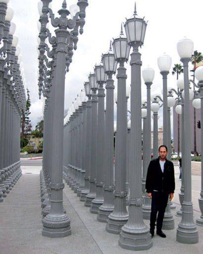 Mario Grauso and lamp posts