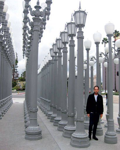 Mario Grauso and lamp posts