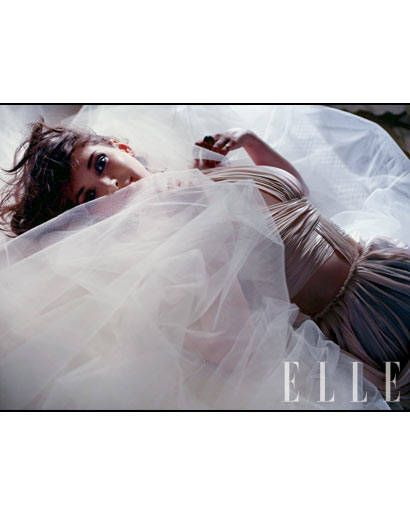 Bridal veil, Veil, Bridal clothing, Bridal accessory, Wedding dress, Bride, Photography, Flash photography, Gown, Ceremony,
