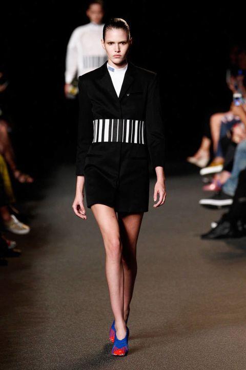 Fashion show, Sleeve, Shoulder, Human leg, Joint, Outerwear, Runway, Style, Collar, Fashion model,
