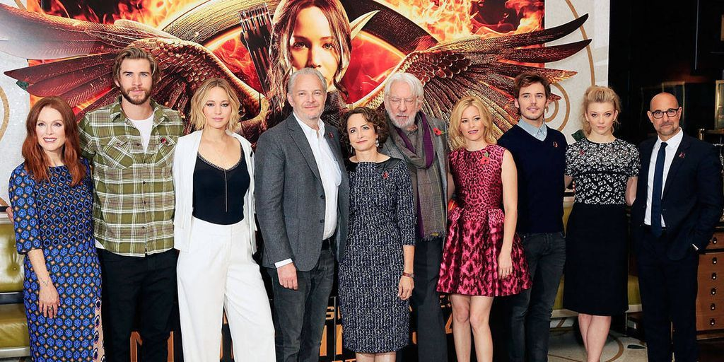 Jennifer Lawrence Stuns at 'The Hunger Games: Mockingjay, Part 1' Photocall