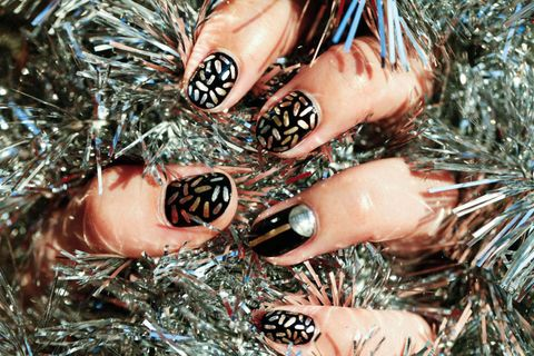 your new year's eve nails in 6 easy steps  new year's eve