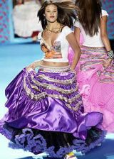 Betsey Johnson Fall 2003 Ready-to-Wear Collections 0002