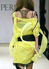 La Perla Fall 2003 Ready-to-Wear Detail 0002