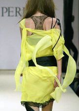 La Perla Fall 2003 Ready-to-Wear Detail 0002