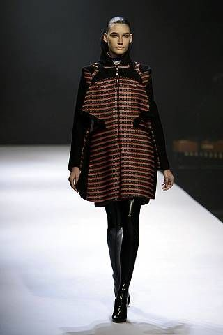 Hussein Chalayan Fall 2007 Ready-to-wear Collections - 002