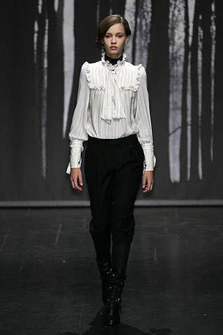 Veronique Branquinho Fall 2007 Ready-to-wear Collections - 003
