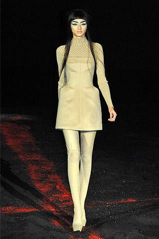 Alexander McQueen Fall 2007 Ready-to-wear Collections - 003