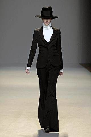 Giambattista Valli Fall 2007 Ready&#45&#x3B;to&#45&#x3B;wear Collections &#45&#x3B; 002