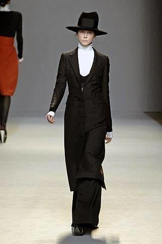Giambattista Valli Fall 2007 Ready&#45&#x3B;to&#45&#x3B;wear Collections &#45&#x3B; 003