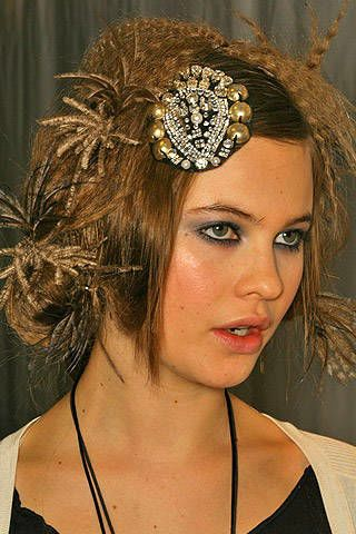 Christian Lacroix Fall 2007 Ready-to-wear Backstage - 003