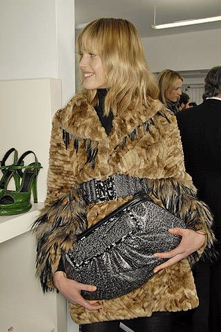 Fendi Fall 2007 Ready&#45&#x3B;to&#45&#x3B;wear Backstage &#45&#x3B; 002