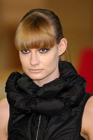 Head, Lip, Hairstyle, Forehead, Shoulder, Eyebrow, Style, Bangs, Fashion, Eyelash,
