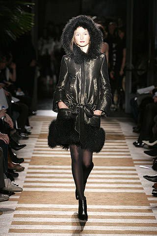 Sue Stemp Fall 2007 Ready-to-wear Collections - 002