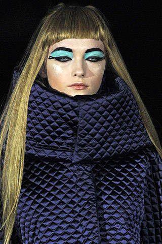 Alexander McQueen Fall 2007 Ready&#45&#x3B;to&#45&#x3B;wear Detail &#45&#x3B; 002