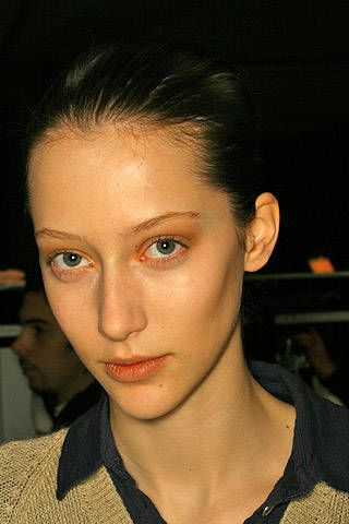 Cacharel Fall 2007 Ready-to-wear Backstage - 003