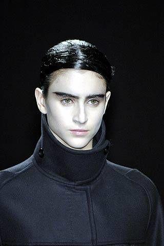 Dries Van Noten Fall 2007 Ready&#45&#x3B;to&#45&#x3B;wear Detail &#45&#x3B; 002