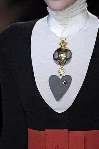 Giambattista Valli Fall 2007 Ready-to-wear Detail - 002