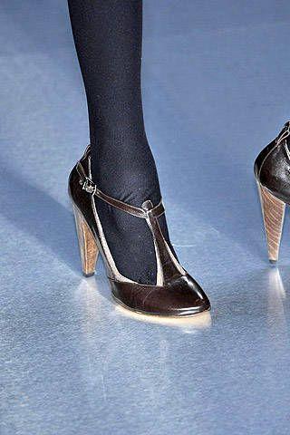 Jasmin Di Millo Fall 2007 Ready&#45&#x3B;to&#45&#x3B;wear Detail &#45&#x3B; 003