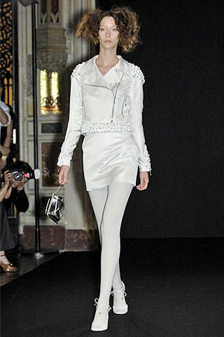 Anne Valerie Hash Fall 2007 Haute Couture Collections - 002