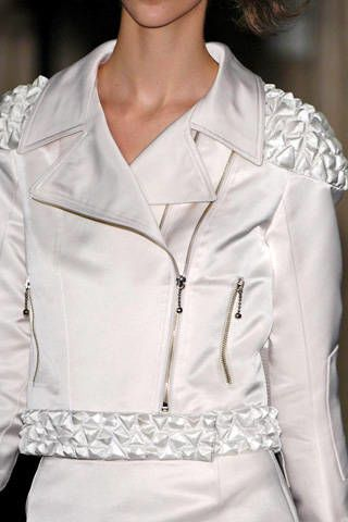 Anne Valerie Hash Fall 2007 Haute Couture Detail - 004