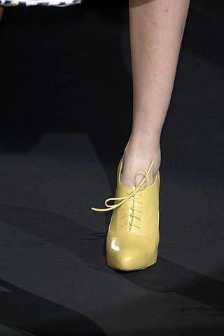 L.A.M.B. by Gwen Stefani Spring 2008 Ready&#45&#x3B;to&#45&#x3B;wear Detail &#45&#x3B; 003
