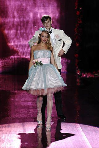 Betsey Johnson Spring 2008 Ready-to-wear Collections - 002