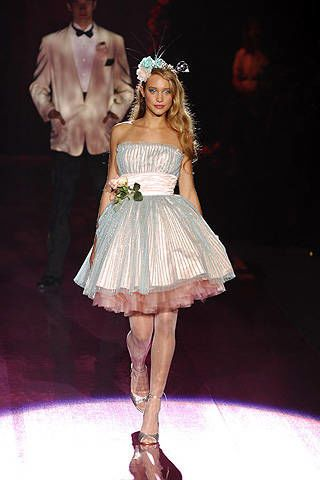 Betsey Johnson Spring 2008 Ready-to-wear Collections - 003