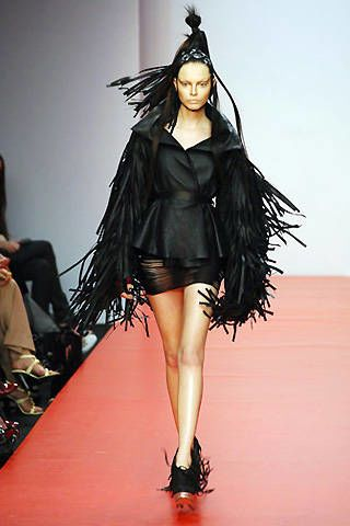 Gareth Pugh Spring 2008 Ready-to-wear Collections - 003