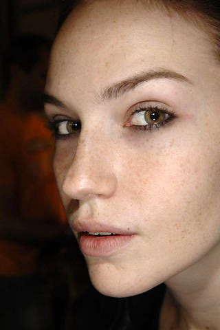 Betty Jackson Spring 2008 Ready-to-wear Backstage - 003