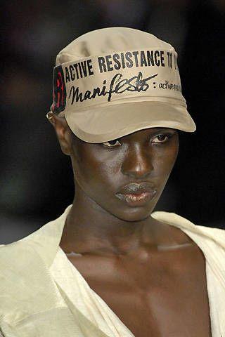 Vivienne Westwood Spring 2008 Ready&#45&#x3B;to&#45&#x3B;wear Detail &#45&#x3B; 003
