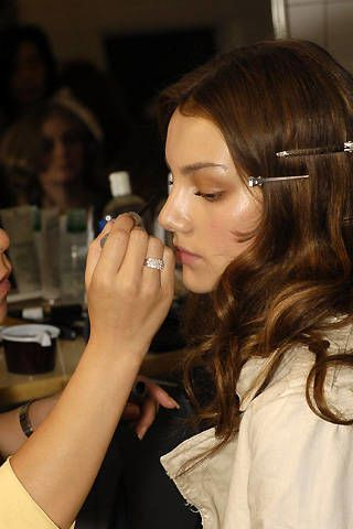 Leonard Spring 2008 Ready-to-wear Backstage - 003