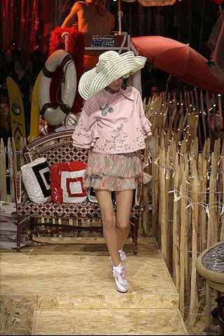 John Galliano Spring 2008 Ready-to-wear Collections - 002