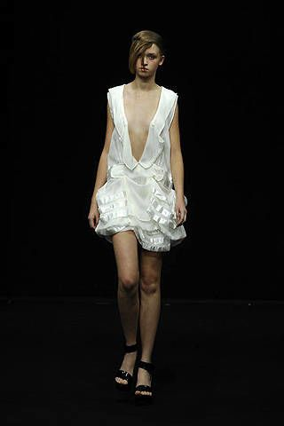 Moon Young Hee Spring 2008 Ready-to-wear Collections - 002