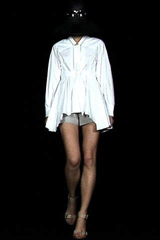 Hussein Chalayan Spring 2008 Ready-to-wear Collections - 003