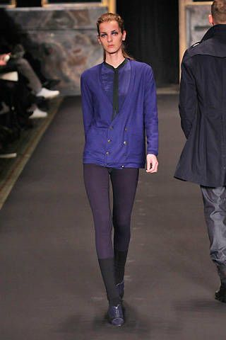 Clothing, Leg, Collar, Sleeve, Trousers, Human body, Textile, Joint, Standing, Outerwear,