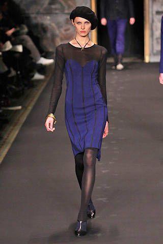 Clothing, Fashion show, Sleeve, Shoulder, Dress, Joint, Runway, Human leg, Fashion model, Style,