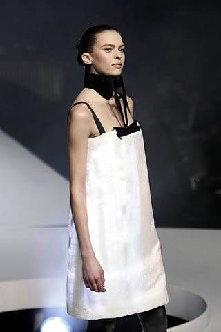 Hussein Chalayan Fall 2007 Ready-to-wear Collections - 001
