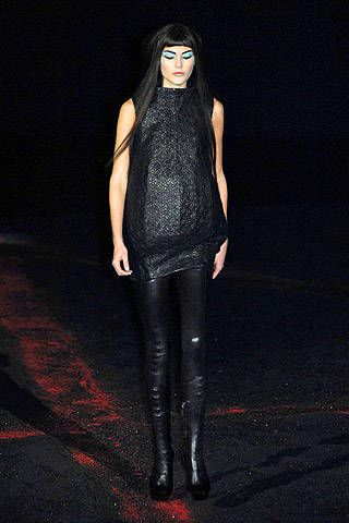 Alexander McQueen Fall 2007 Ready-to-wear Collections - 001
