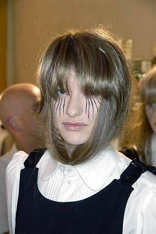 A.F. Vandevorst Fall 2007 Ready&#45&#x3B;to&#45&#x3B;wear Backstage &#45&#x3B; 001