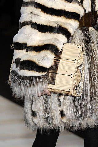 Fendi Fall 2007 Ready&#45&#x3B;to&#45&#x3B;wear Detail &#45&#x3B; 001